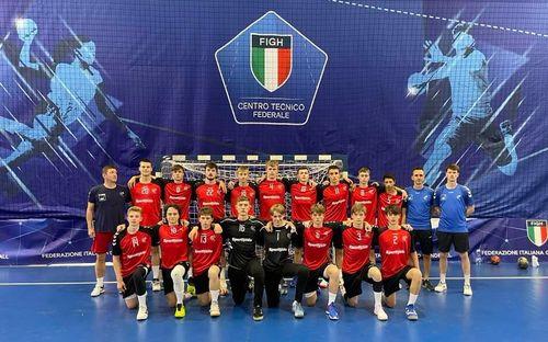 U17 Jongen am Stream géint Italien U17